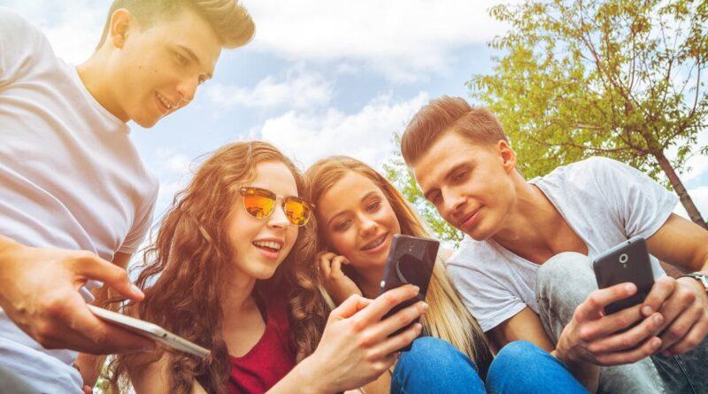ados et réseaux sociaux